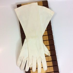 Vintage Off White Gloves Small